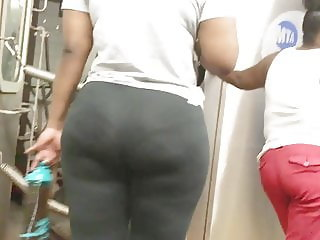 Teen Ebony Ass in Spandex