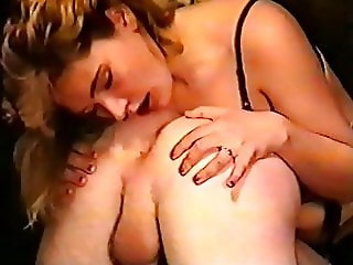 (Vintage) Sexy Blonde licks & fingers her man + facial
