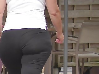 Big ass sportiv girl walking, normal sp and slow motion