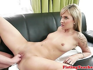 Tattooed dyke seduces and fists her lover