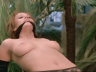 NATHALIE COURVAL SONIA VAREUIL NUDE (1976) Attention les yeu