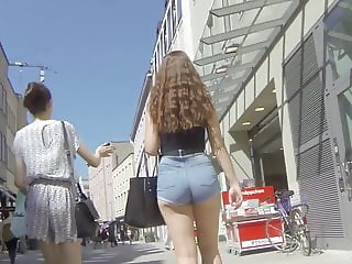 Teen shorts candid