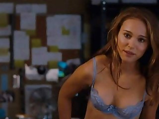 Natalie Portman Nude Butt In No Strings Attached