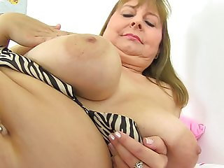 Mature busty natural mother Alexa from UK