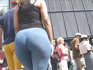 Crown of the beautiful ass on the street 2