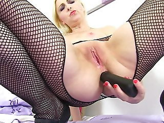 British mom Tracey Lain with very hungry ass