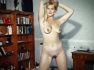 SUNSHINE - mature British beauty strip dance tease