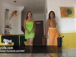sex and flashing with a real amateur couple for the voyeurs