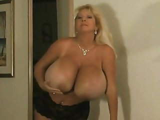 MILF Maxi Mounds trying on different bras
