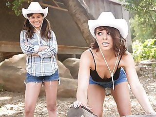 Lesbian city girl tries country life