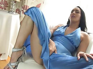 Irene masturbates! with silk dress with smell very drooled