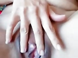 Thai girlfriend play pussy