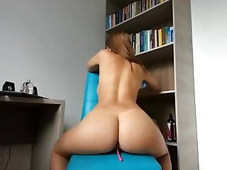 Brunette babe big round ass butt big tits riding dildo squir