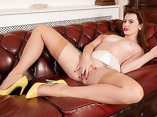 Brunette in vintage nylons flaunts pussy for wank session