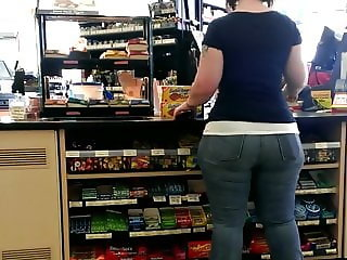 I bet you'll like this monster booty PAWG