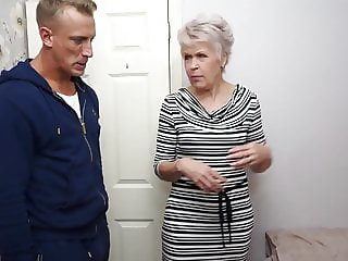 Granny gets amazing sex with strong young boy