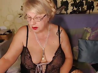 Free Live Sex Chat with HotSquirtLady