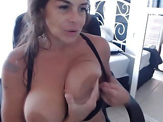 Pussy play instruction from saggy tits cougar Ann
