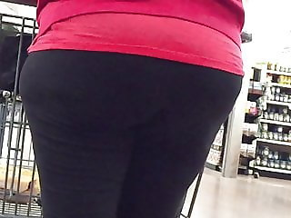 Grannies BBW Wide Hips and Ass in Leggings
