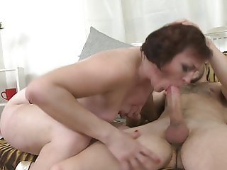 Amateur slut moms suck and fuck big cocks