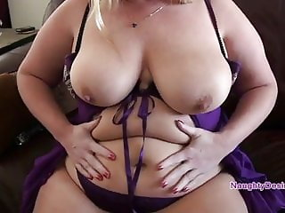 PAWG with thick thighs and a tasty pussy