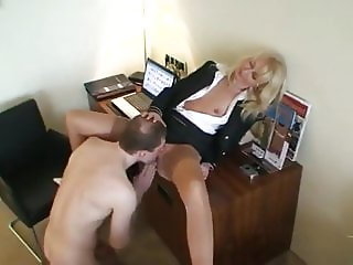 Gorgeous Amateur MILF Pleasing Her New Customer in Hotel