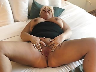 Tinder Slut Diana Spreads Pussy and Gets Fucked