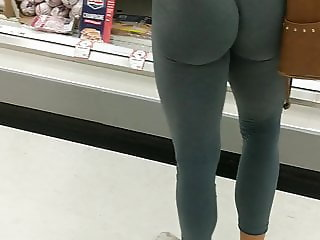 Candid sexy ass booty leggings