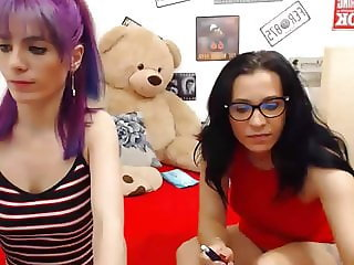 Foot Fetish Amateur Lesbians Having Fun On The Cam